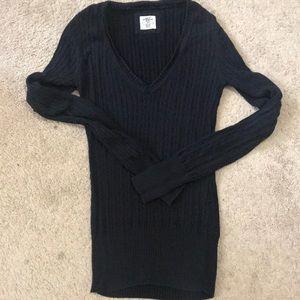 Navy Blue V-Neck Cable knit Sweater